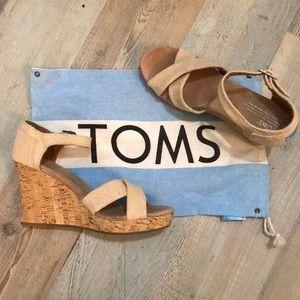 Toms NWOT wedges